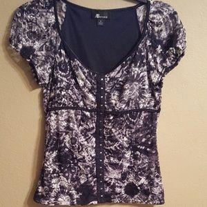 Tops - Women's casual Medium blouse